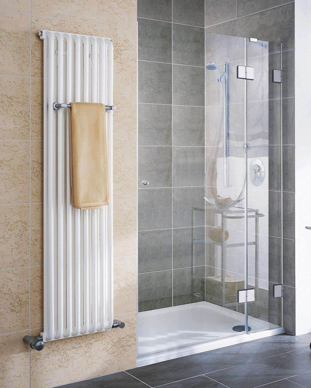 auch zu einer duschwanne aus acryl empfehlen wir eine duschkabine. Black Bedroom Furniture Sets. Home Design Ideas